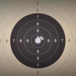 Ein typische 300m – 5 Schuss Gruppe mit Fabrik Munition von ein Roedale RH43 T in den Händen eines ausgebildeten Schafschützen